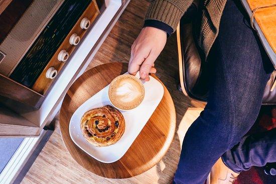 citizenM Glasgow: Coffee breakfast coffee bun