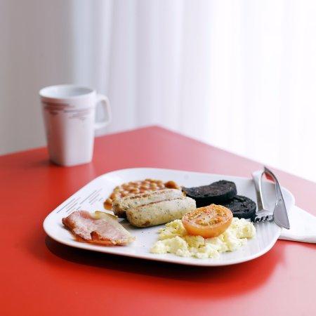 citizenM Glasgow: Scottish breakfast