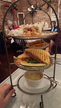 Mackinaw, IL: Tier - your food comes all at once in a nice little three tier serving tray