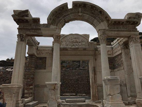 Temple of Hadrian: photo0.jpg