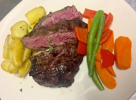 Brooksville, ME: Grilled Black Angus Hanger Steak