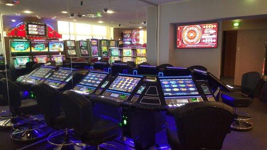 Spielbank Cottbus: Spielbank und Bar täglich ab 14 Uhr