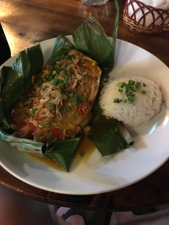 Delicious food, great red snapper