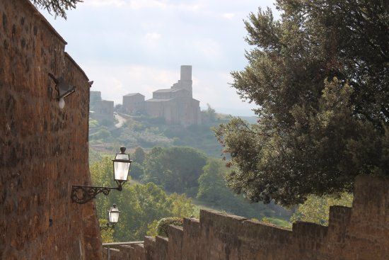 Tuscania, Italy: suggestivo paesaggio