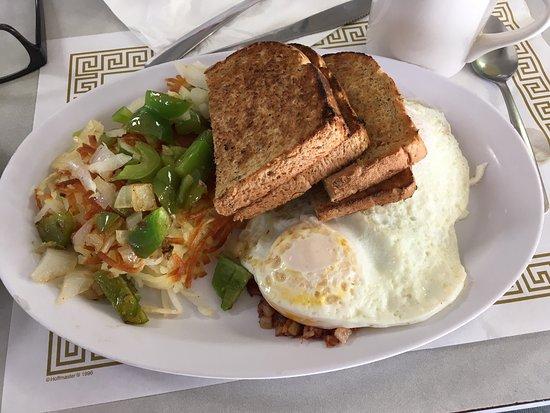Hubbard, OH: Yummy hash & eggs!
