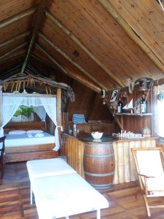 Anse Boudin, Îles Seychelles : suite chez Gérard Payet, au Secret garden Villa