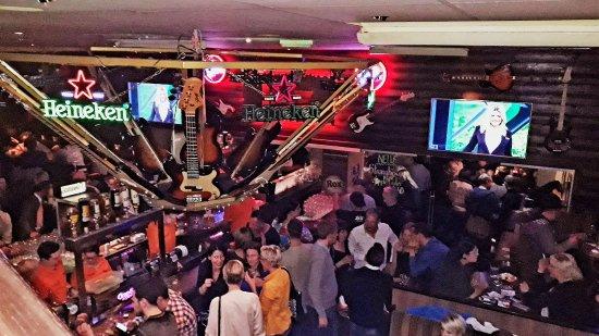 Rox Bar & Grill: Mittendrin