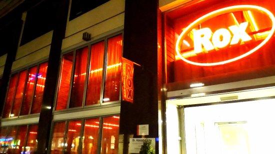 Rox Bar & Grill: Von außen