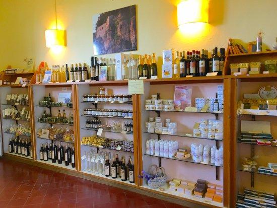 La Botteghina Solidale: Inside the store