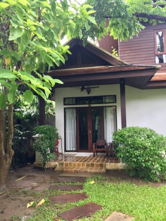 Baan Orapin Bed and Breakfast: Outside of Single Room