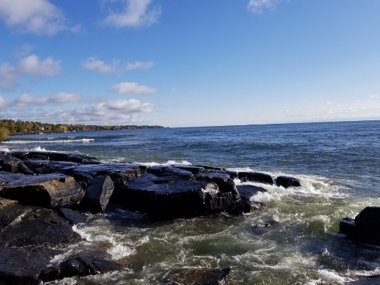 Two Harbors, MN: Surfers