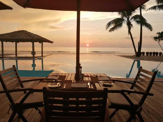 The Palm Beach Resort: Sunset view from the restaurant