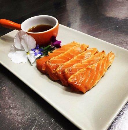 Tataki di Salmone Ōra King