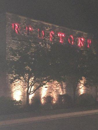 redstone american grill eden prairie 8000 eden rd
