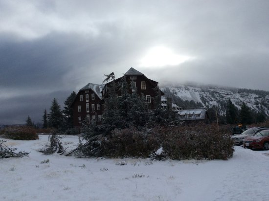 Crater Lake Lodge in early snow