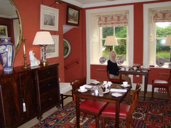 Dumfries House Lodge: breakfast is served in two charming dining rooms