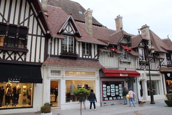 Deauville photo de office de tourisme intercommunal de deauville deauville tripadvisor - Deauville office de tourisme ...