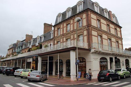 Office de tourisme intercommunal de deauville 2018 ce qu 39 il faut savoir pour votre visite - Deauville office de tourisme ...