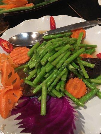 Kinnaree Gourmet Thai Restaurant & Bar: photo2.jpg