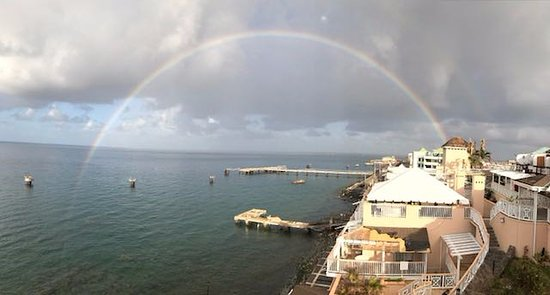Fort Young Hotel: The best mix between Ocean and Rainbow!