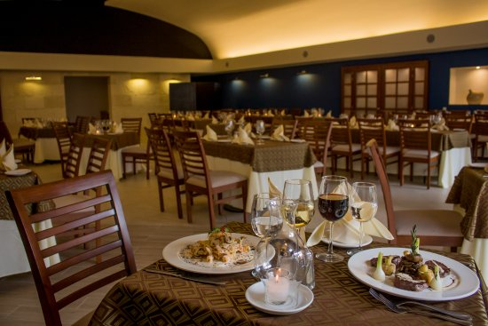 Plaza Pelicanos Club Beach Resort: Restaurante de Especialidades Caruso