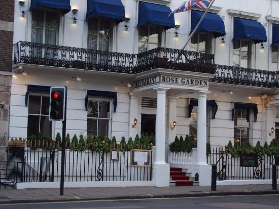 London Elizabeth Hotel: THis is a picture of the hotel showing the Rose Garden restaurant, which is part of the hotel.