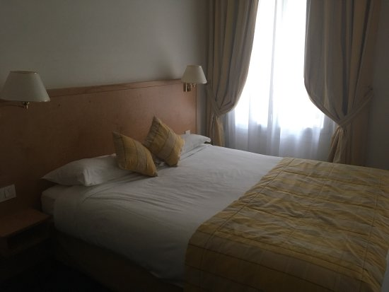 Atlantic Hotel: photo0.jpg
