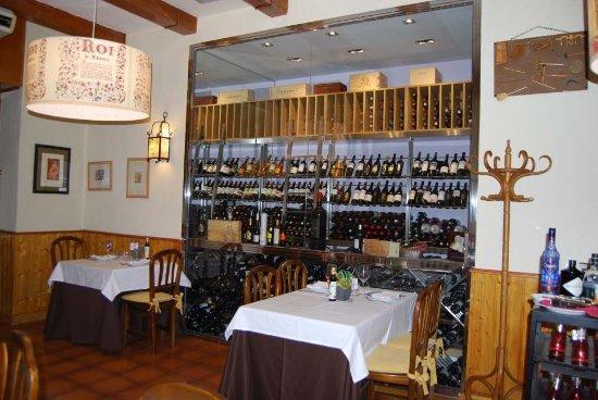 Cava de vinos picture of casa emeterio tres cantos - Cavas de vinos para casa ...