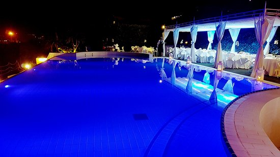 Foto de villa mirabilis bacoli luna piena in terrazza - Villa mirabilis piscina ...