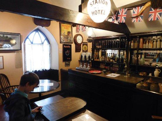 Pickering, UK: Shove halfpenny in the pub
