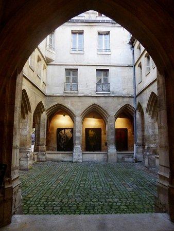 Cloitre Des Billettes Paris Tripadvisor