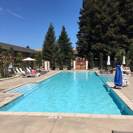 Napa Valley Marriott Hotel Spa Delicious Pool