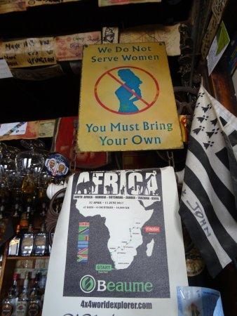 Sani Pass, Lesotho: déco du bar