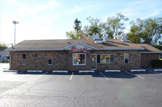 Palanza's Family Dining: store front
