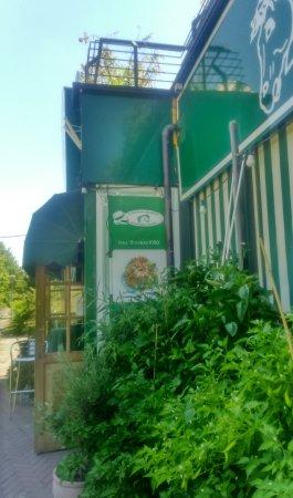 Rastignano, Italia: il ristorante da fuori