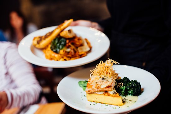 Denali Cabins: Enjoy Alaska cuisine.