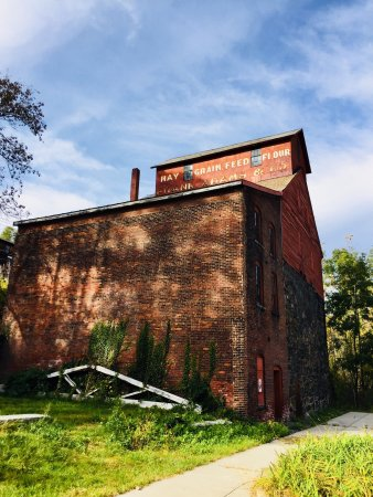 Bellows Falls, Вермонт: Adams Old Stone Grist Mill