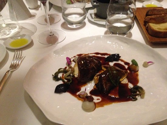 Borgo San Jacopo: Veal - stewed calf cheek, chestnuts, topinambur pure, vin santo jelly