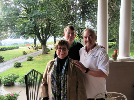 "Dundee Manor Bed and Breakfast: Co-Owner & Host Extraordinaire ""Dave"" + 2 happy guests! - 10/11/17"