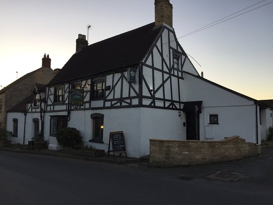 South Witham, UK: Lovely old Inn that is steeped in history and rich with character.