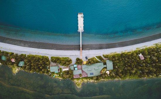 Kenai Fjords Wilderness Lodge: The dock above Fox Island.