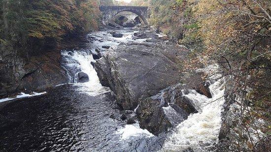 Invermoriston, UK: Falls