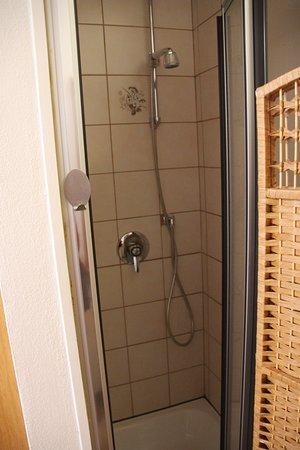 Bayerischer Hof - Shower