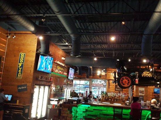 Ford 39 s garage cape coral restaurant bewertungen telefonnummer fotos tripadvisor - Ford garage restaurant cape coral ...