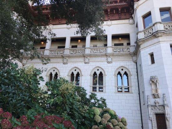Hearst Castle: Outside view