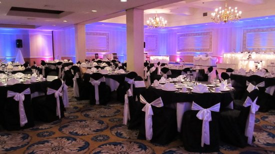 Pittsfield, MA: Pink and Blue Lighting Ballroom