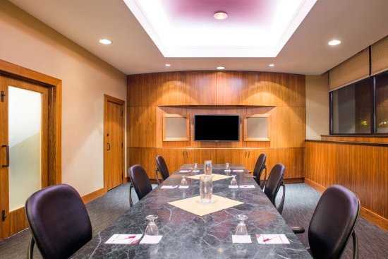 Pittsfield, MA: Executive Boardroom