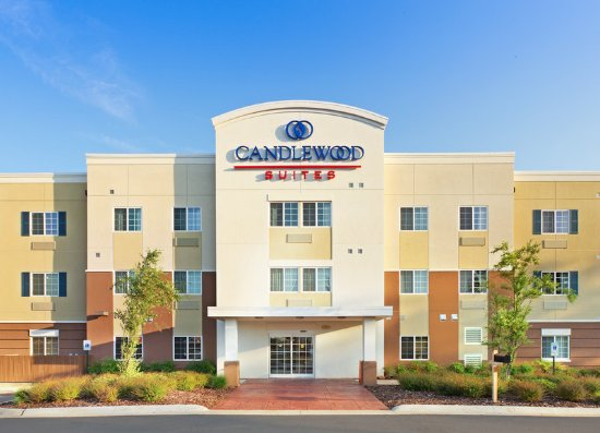 Candlewood Suites Hot Springs: Hotel Exterior