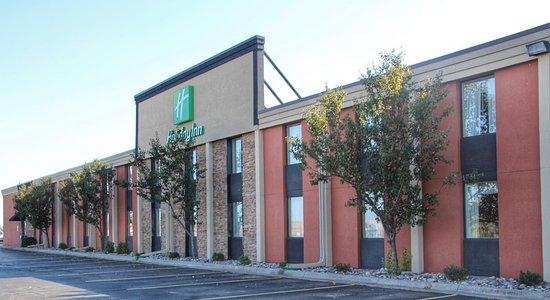 Holiday Inn Alexandria: Exterior of Holiday Inn