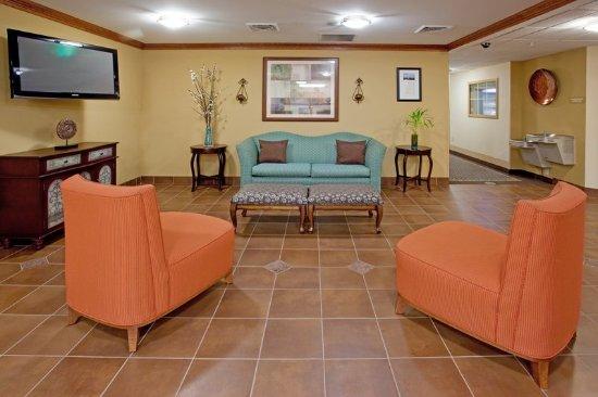 โคโลเนียลไฮทส์, เวอร์จิเนีย: Hotel Lobby